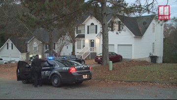 Police investigate shooting at Stone Mountain home