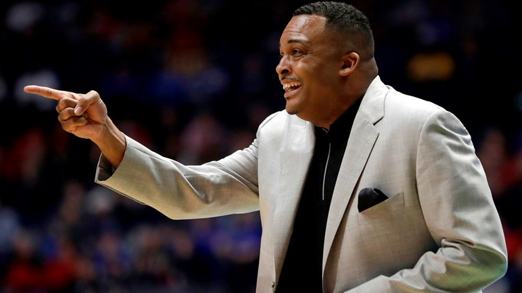 Report: Georgia State hoops coach Ron Hunter finalizing deal with woeful Tulane