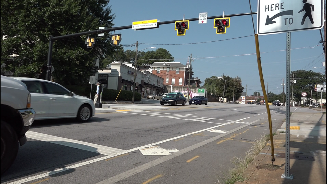 What to do when you see those confusing new crosswalk lights in Atlanta