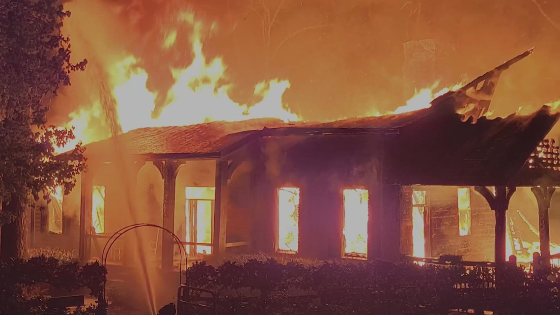 Investigation: Dry fire hydrants stop firefighters from putting out flames as house burns