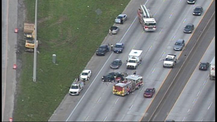 66-year-old killed in 5-car accident on I-285 South