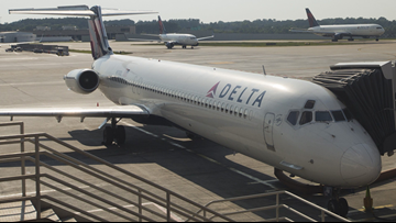 Woman fakes bomb in carry-on to get off flight from Atlanta