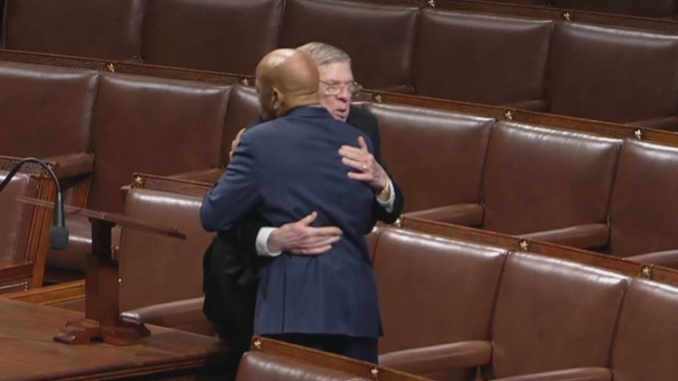 'Thank you brother for your service': Rep. John Lewis embraces Sen. Johnny Isakson in touching tribute