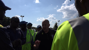 Sanitation workers in Atlanta go on strike leading to smelly situation