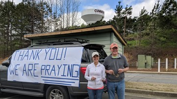 """Families hold """"rosary rally"""" outside Northside Forsyth"""