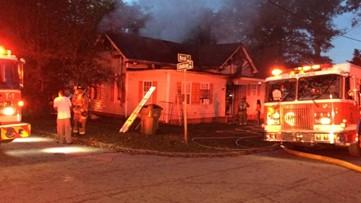 House goes up in flames in northwest Atlanta neighborhood