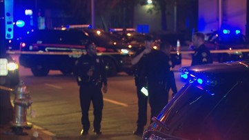 19-year-old shot leaving Atlanta lounge; Suspects wanted