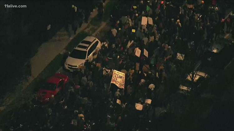 Hundreds march in Chicago in protest of Adam Toledo shooting; Daunte Wright's family speaks in Minneapolis