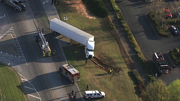One dead, another critically injured in Fayetteville accident