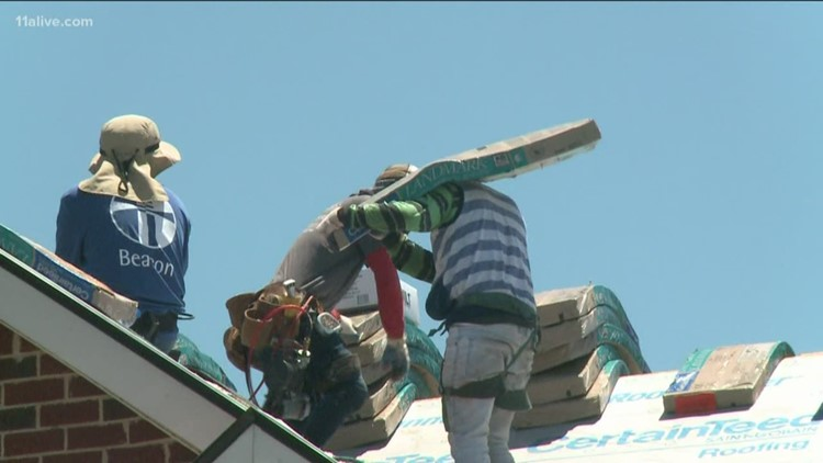 Army vet gets new roof from local company.