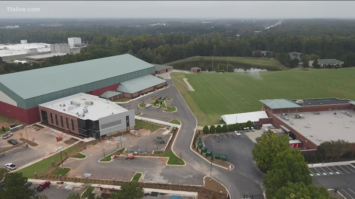 Atlanta Falcons back at practice facility after COVID-19 case