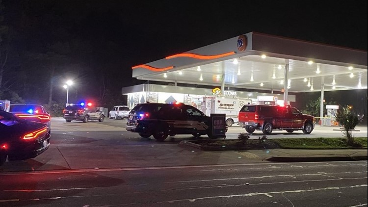 Man collapses and dies at gas station after being shot, deputies say