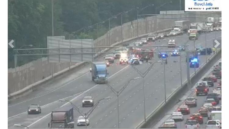 Driver runs from scene of deadly multi-car wreck on I-75 in Marietta