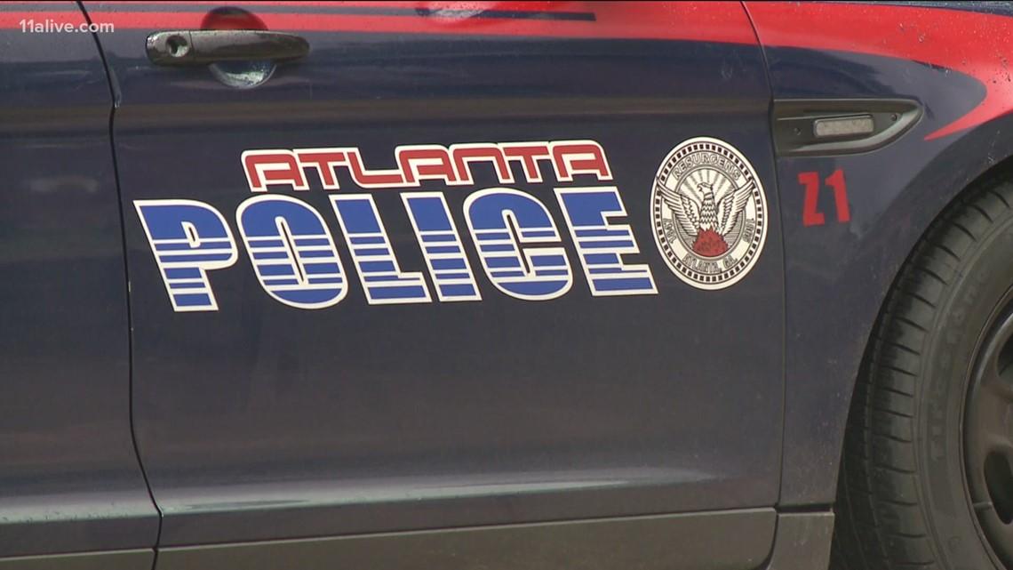 Man shot while walking near downtown Atlanta, police say