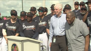 Braves unveil 'Hank Aaron Way' at training facility in honor of baseball legend