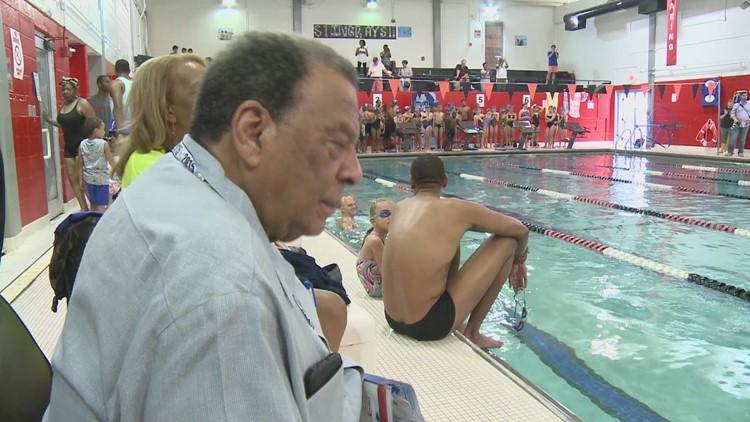 Olympic Swimmers Teach Swim Lessons to Minorities in Atlanta