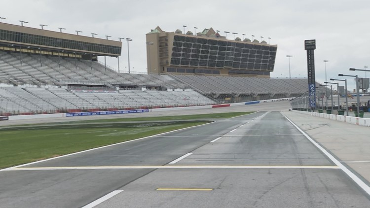 Atlanta Motor Speedway canceling Friday Night Drags for 2020 season