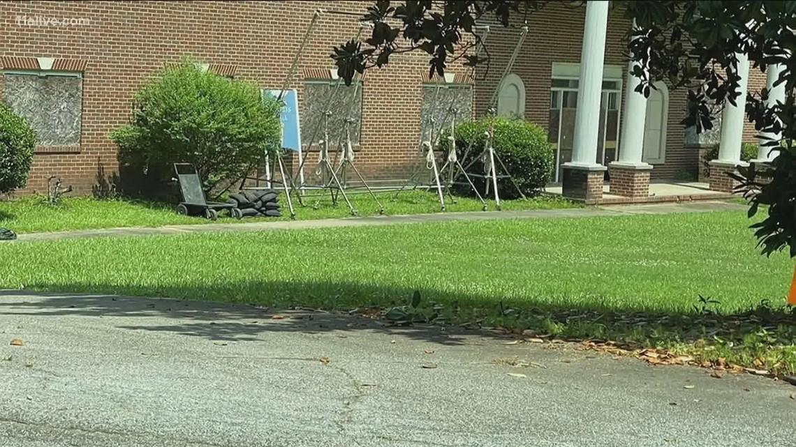 Crews film scenes for 'The Walking Dead' in College Park