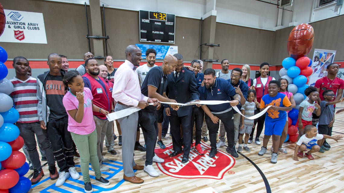 Kenny Smith helps unveil new Decatur Boys and Girls Club gym
