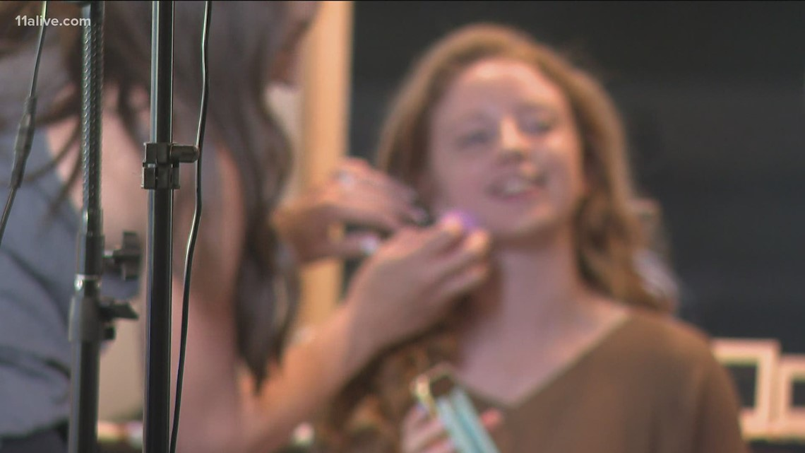 Hairdressers, makeup artists travel to Newnan to help make prom possible for students
