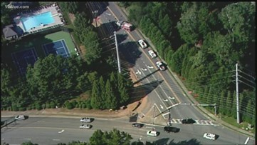 Gas leak shuts down Cobb County road