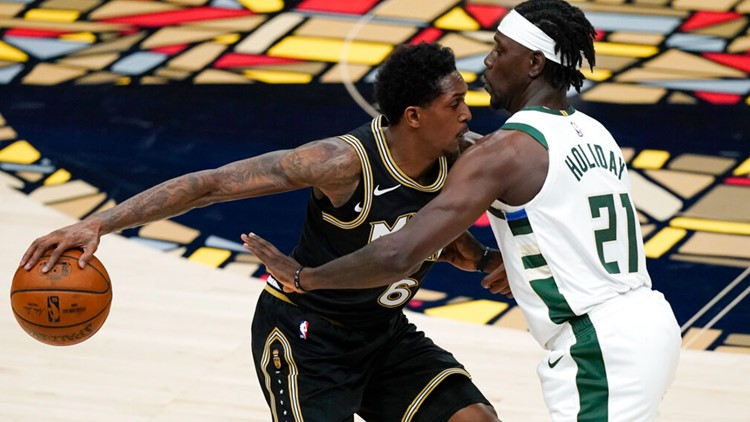 Hawks romp to 110-88 win without Young, Giannis goes down