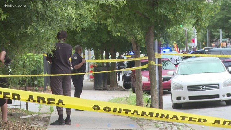 Man shot, killed on busy Atlanta route on Sunday afternoon