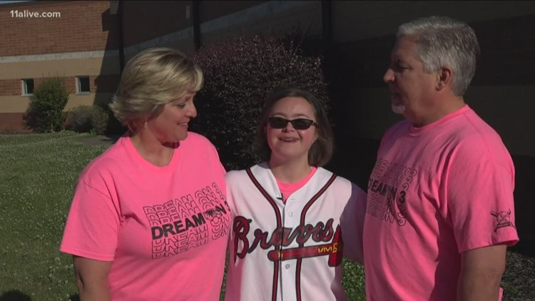 Woodstock teen with Down syndrome surprised with Atlanta Braves ultimate fan day
