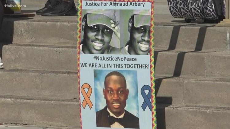 Death of Ahmaud Arbery trial | Jury selection begins