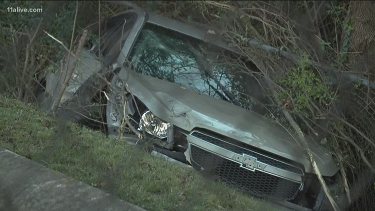 Driver seriously injured in shooting, wreck in West Atlanta