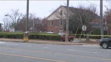 Witness holds suspect until police arrives to scene of Alpharetta bank parking lot shooting
