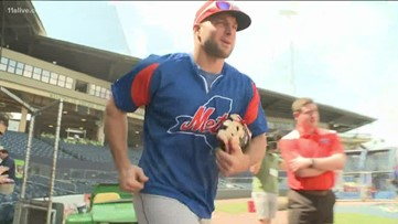 Tim Tebow makes appearance in Gwinnett County