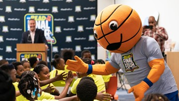 'Read to the Final Four' gives students access to books, promotes literacy