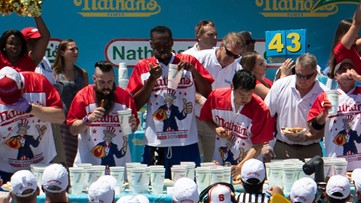 Former Clayton State basketball player competes in Nathan's Hot Dog Eating Contest