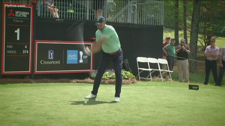 John Smoltz goes from the mound to the tee