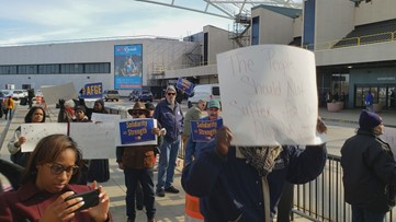 TSA agents protest government shutdown at Hartsfield-Jackson