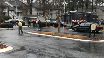 Hostage situation ends at Marietta apartment complex | Suspect surrenders