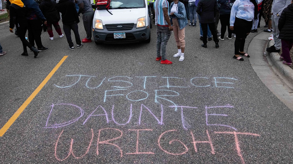 Second night of demonstrations follow Daunte Wright shooting, Brooklyn Center officer identified