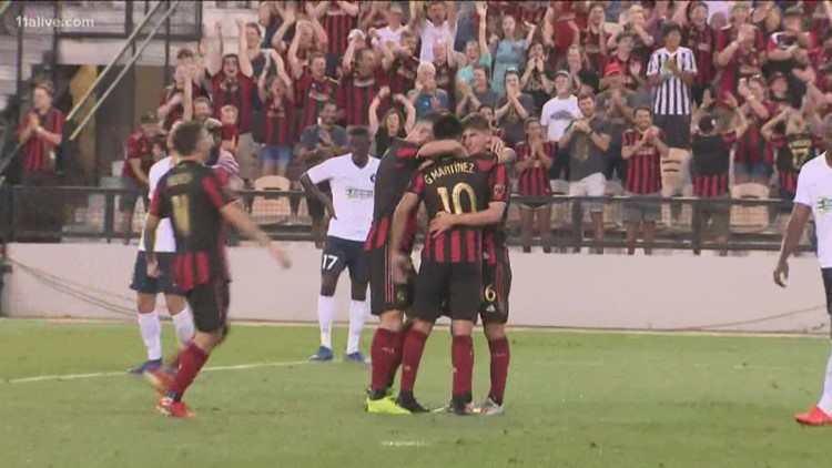 Is there trouble between an Atlanta United star and Manager Frank De Boer?