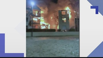 Apartment building catches fire in Gwinnett