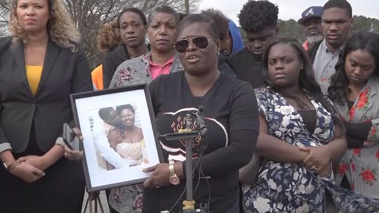 Lubreeze Franklin Lewis and family defend man arrested at IHOP
