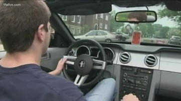 3 in 5 parents say their teen has been in a car with a distracted teen driver, study says