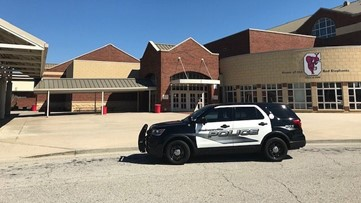 Gainesville High School on lock down for bomb threat