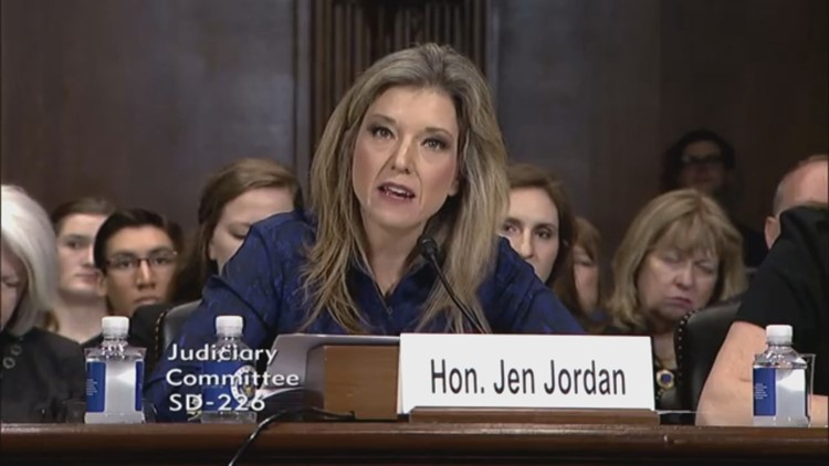 Sen. Jen Jordan testifies against SB 160