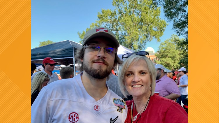 Mother's tweet wins her and her son dream tickets to World Series