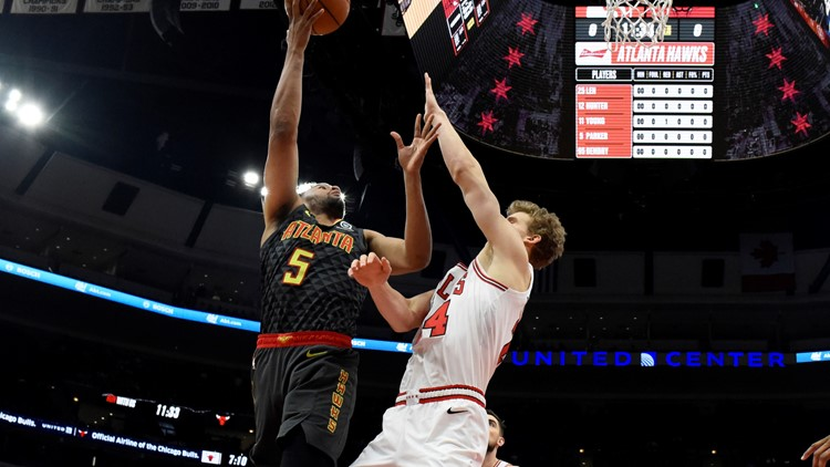 Hawks finish preseason in Chicago with 1-4 record