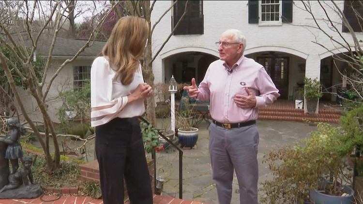 Legendary Georgia coach Vince Dooley opens his home, takes a walk down memory lane