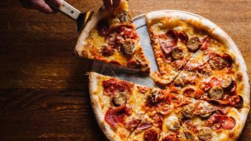 Teachers can score pizza deals this week!