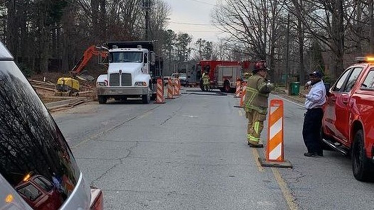 Road blocked as crews work to repair gas line in Dunwoody