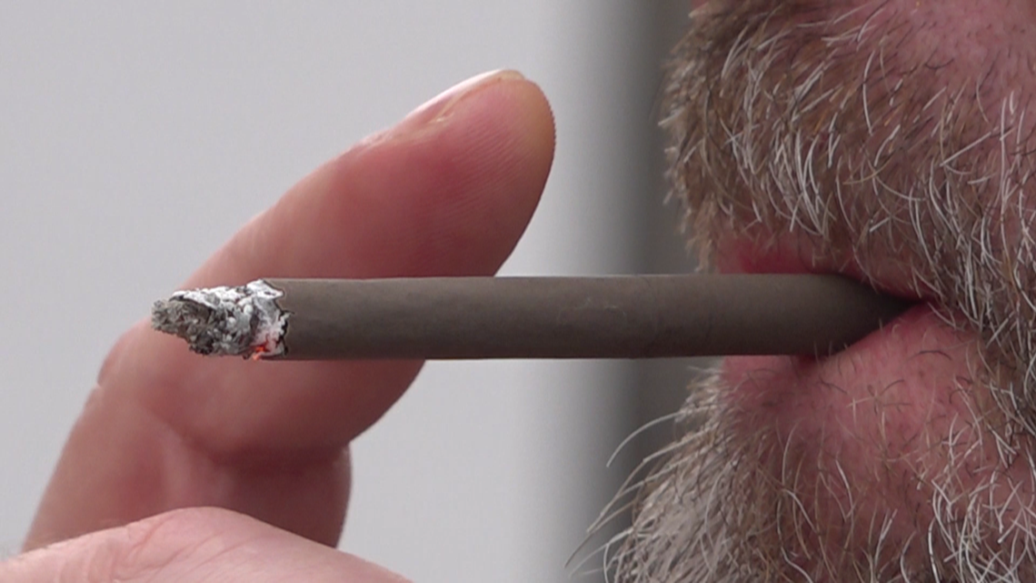 Marietta workers weigh in on proposed smoking ban